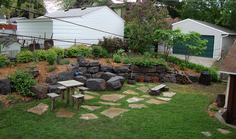 Diy backyard makeover for Garden makeover ideas
